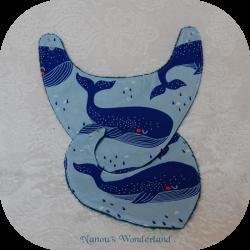 Bavoir - Baleine bleue